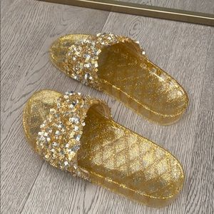 Gold kelly plastic slippers